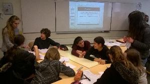 Les élèves finissent le travail sur le jeu de déconstruction